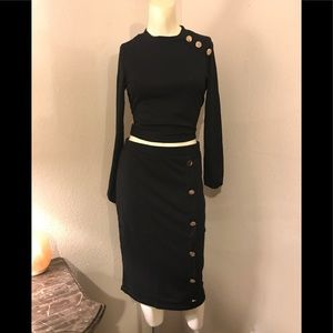NWT  form fitting two piece set
